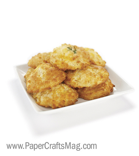 cheesy garlic drop biscuits
