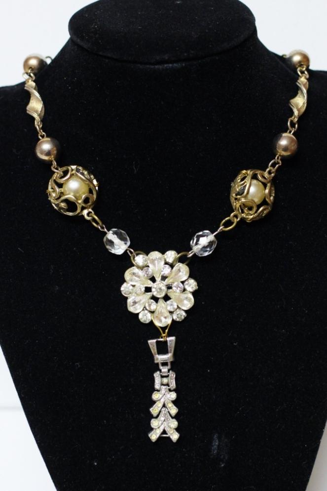 junque necklace 2 (683x1024)