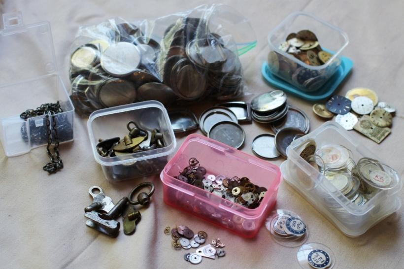 steampunk halloween - watch parts (1024x683)