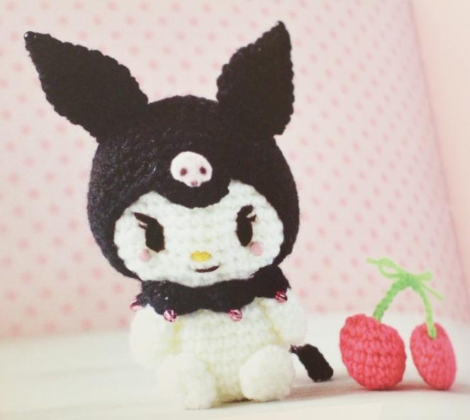 hello kitty book_quirk_book review_mei li lee_crochet_pattern_hello kitty crochet patterns_tami sanders  - goth (1280x1144)