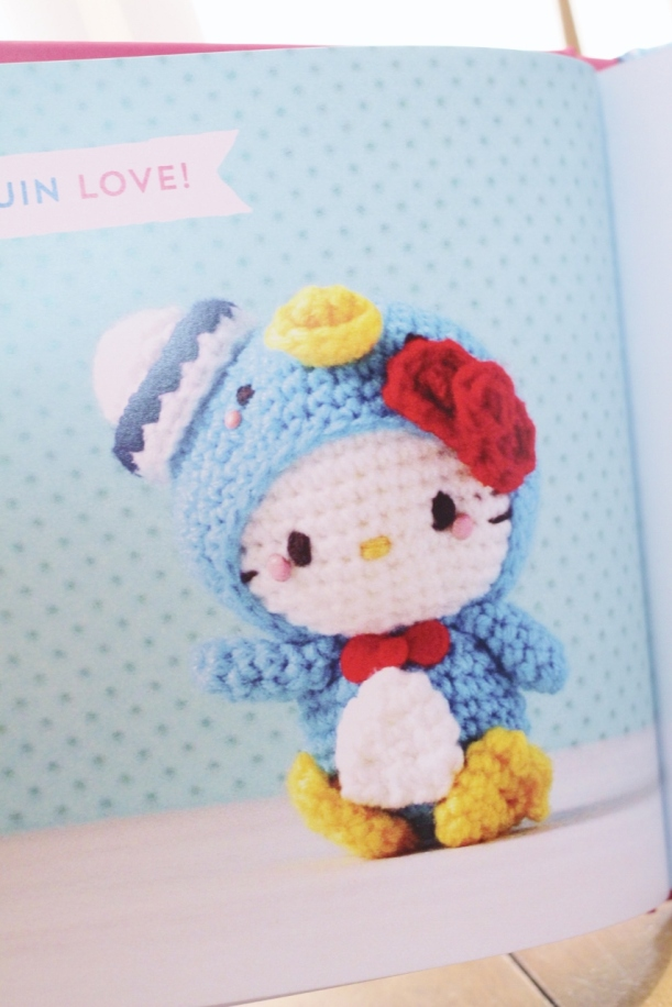 hello kitty book_quirk_book review_mei li lee_crochet_pattern_hello kitty crochet patterns_tami sanders  - penguin (853x1280)